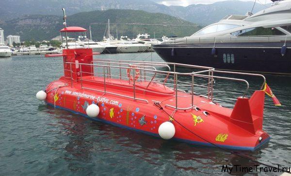 Туристическая подводная лодка в Будве