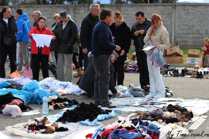 Суббота на блошином рынке недалеко от Подгорицы