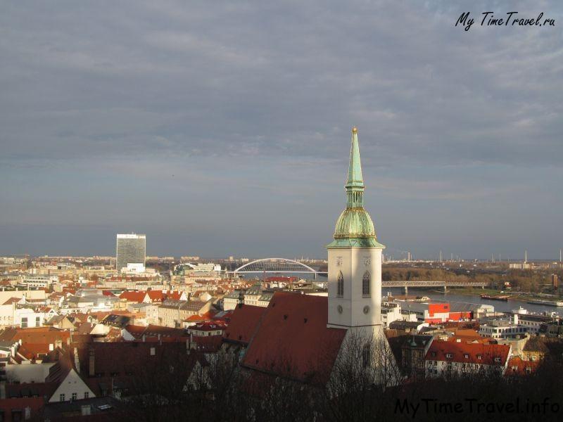 Панорамный вид на город с Братиславского града