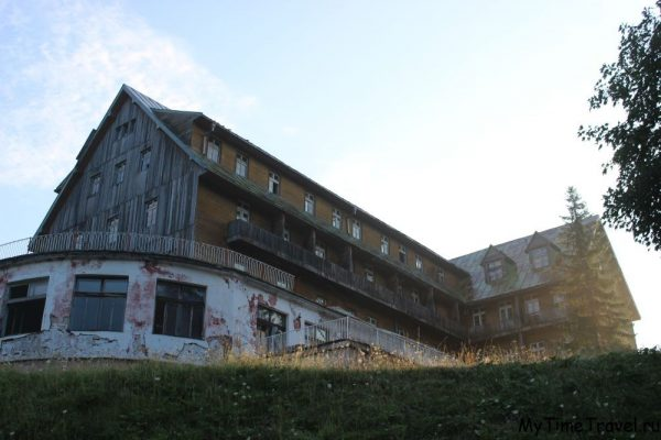 Заброшенный отель в Жабляке