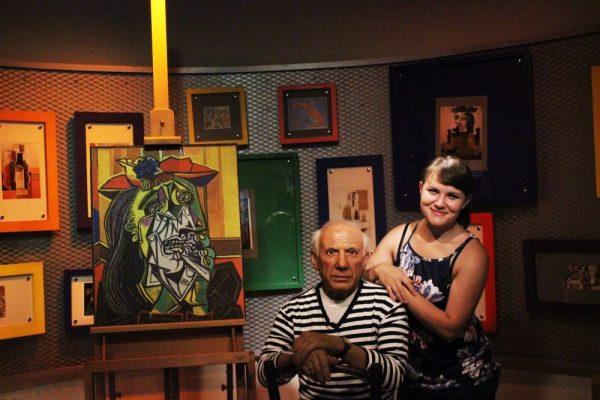 Пикассо в Музее восковых фигурах