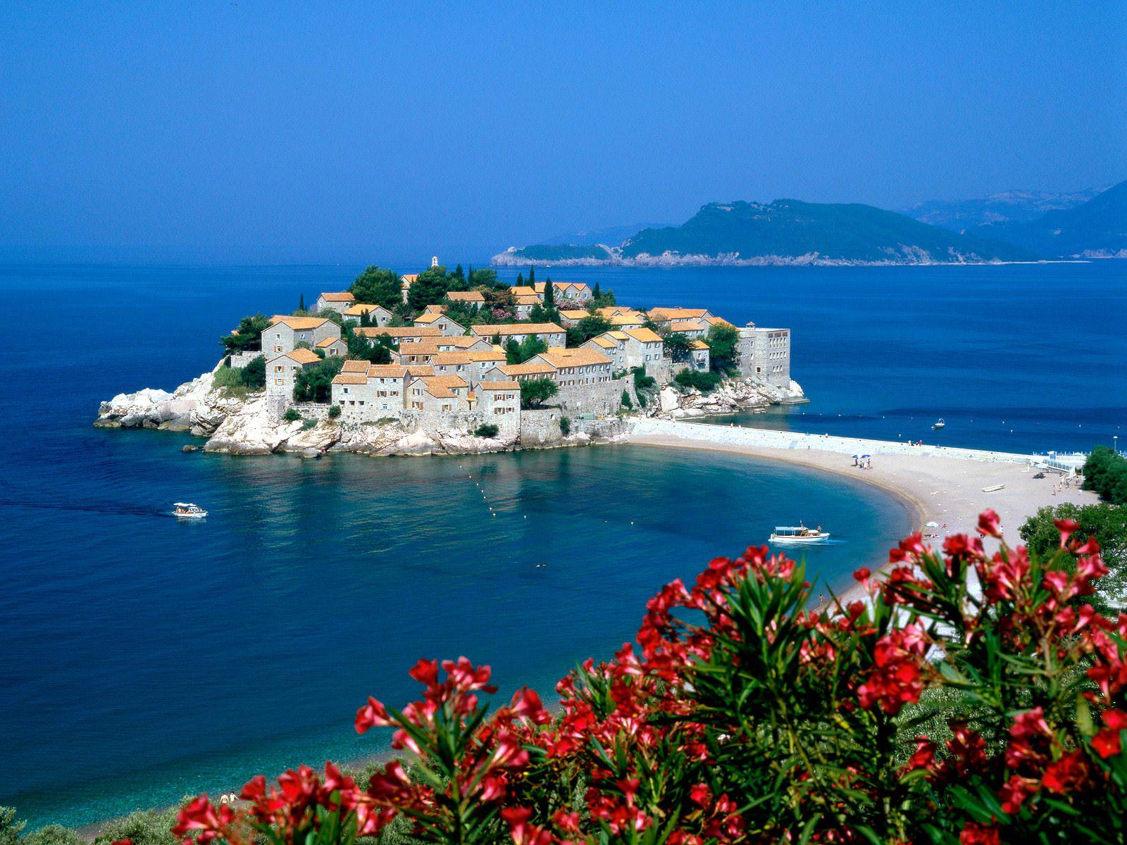 Чего не хватает в Черногории?