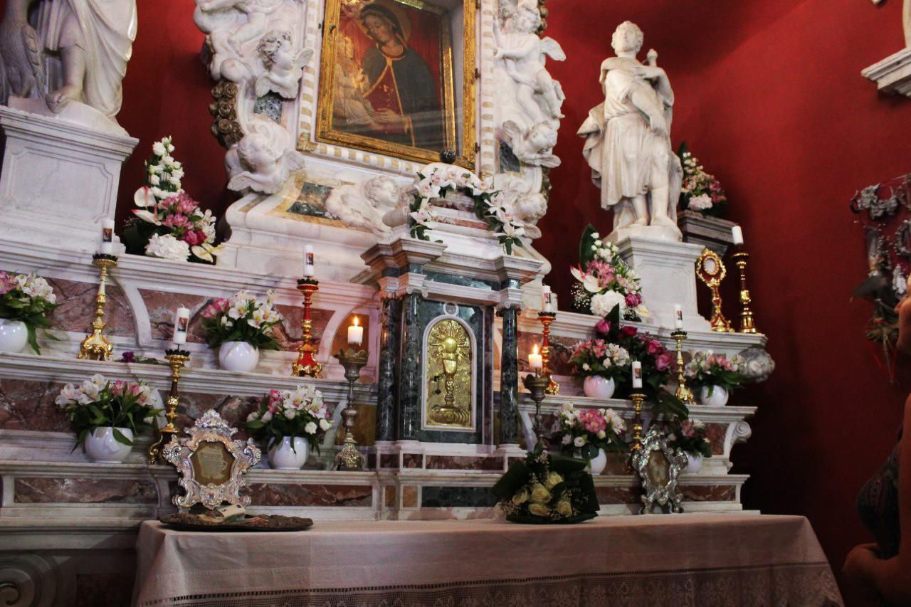 Остров-церков в Черногории