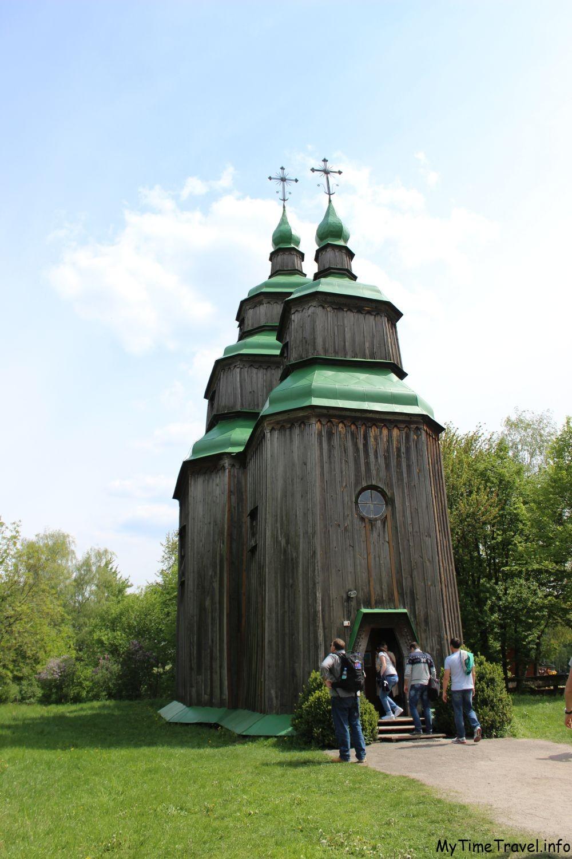 Старинная украинская церковь XVII века
