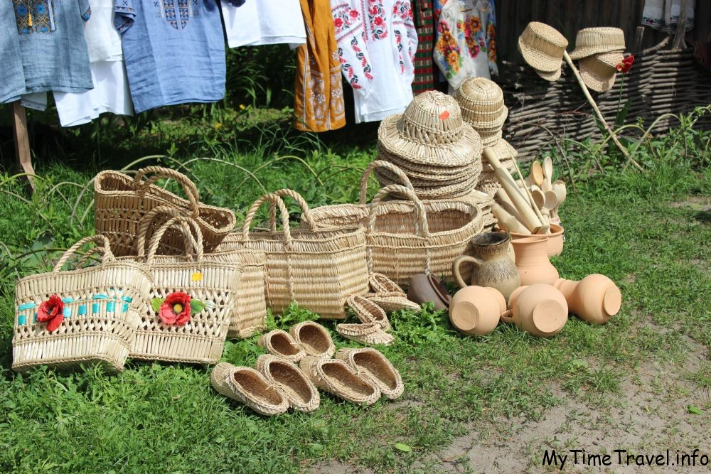 Украинские сувениры в Пирогово