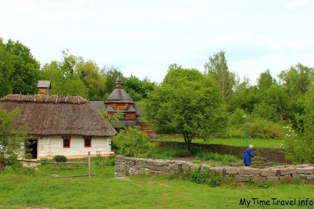 Красивая инсталляция украинского села Карпат