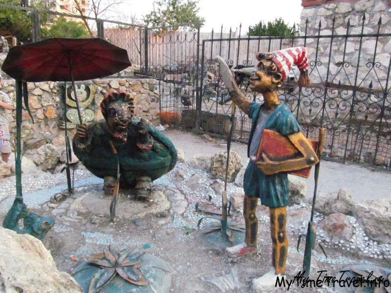 Тортилла и Буратино скульптура