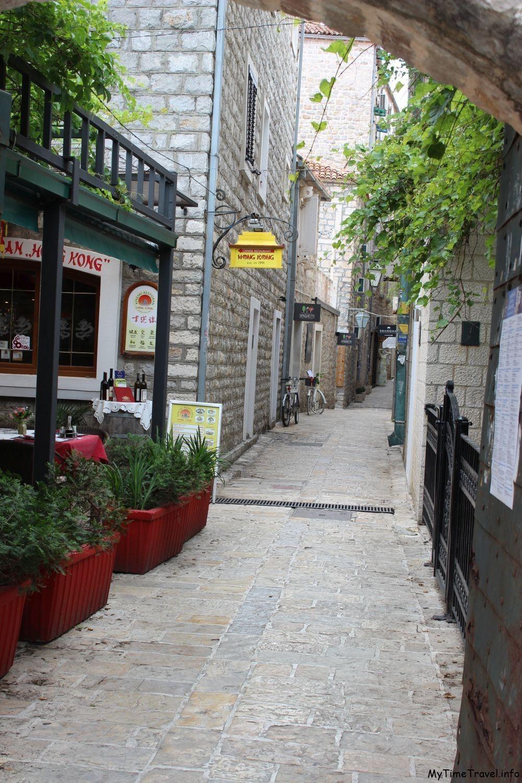 Улицы Старого города в Будве