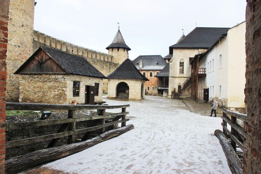 Внутренний двор Хотинской крепости